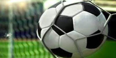 Bào cỏ trong bóng đá là gì